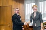 Nuotrauka. Seimo Pirmininko Viktoro Pranckiečio susitikimas su Vyriausiosios rinkimų komisijos pirmininke Laura Matjošaityte. Seimo kanceliarijos (aut. Dž. G. Barysaitė) nuotr.