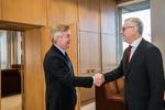 Nuotrauka. Seimo Pirmininko Viktoro Pranckiečio susitikimas su Europos Sąjungos Audito rūmų nariu Rimantu Šadžiumi. Seimo kanceliarijos (aut. Dž. G. Barysaitė) nuotr.